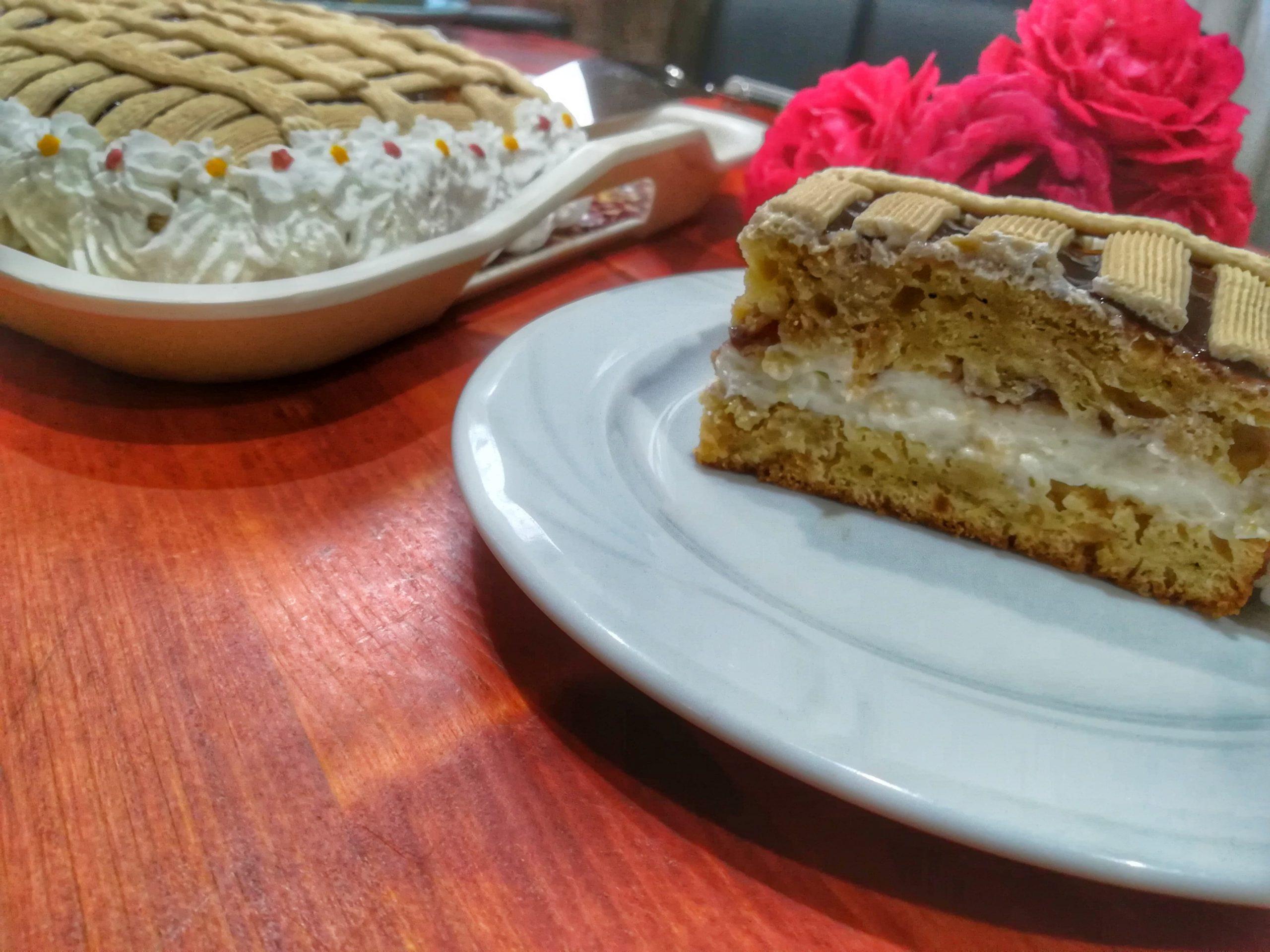Rețetă prăjitură cu caise, cremă de lapte și mascarpone